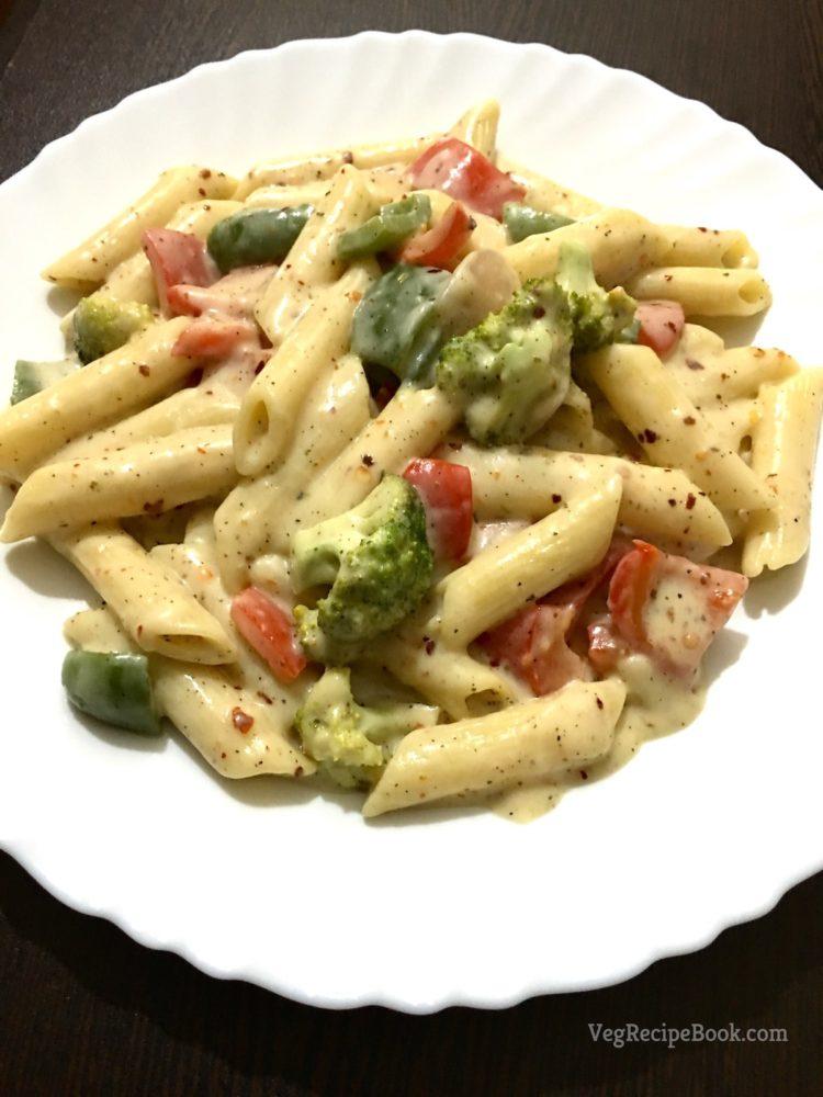 italian style white sauce pasta recipe | vegetable pasta in white sauce recipe | white sauce pasta recipe